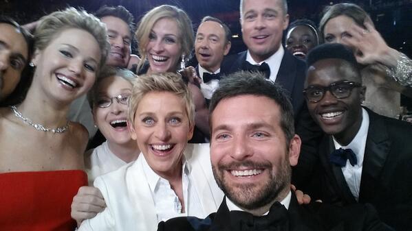 ellen-degeneres-selfie-on-twitter