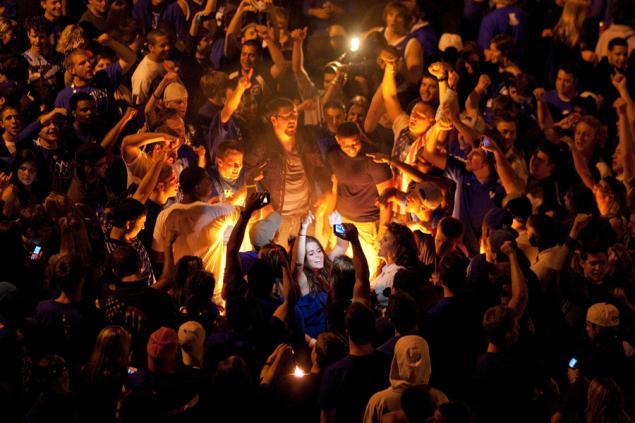 UK fans street riot