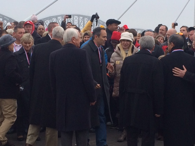 Outgoing Kentucky Gov. Steve Beshear and Gov-elect Matt Bevin did not remain in separate corners during the bridge dedication. (12/05/15)