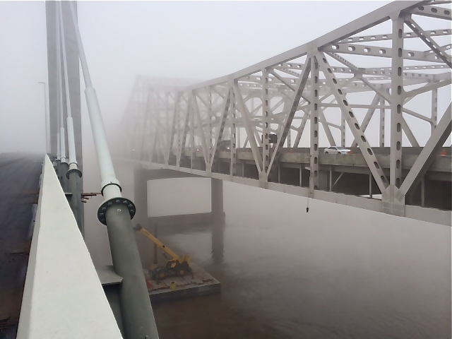 Spatial separation between the Lincoln and Kennedy bridges over the Ohio River connection Louisville and Jeffersonville. (12/05/15)