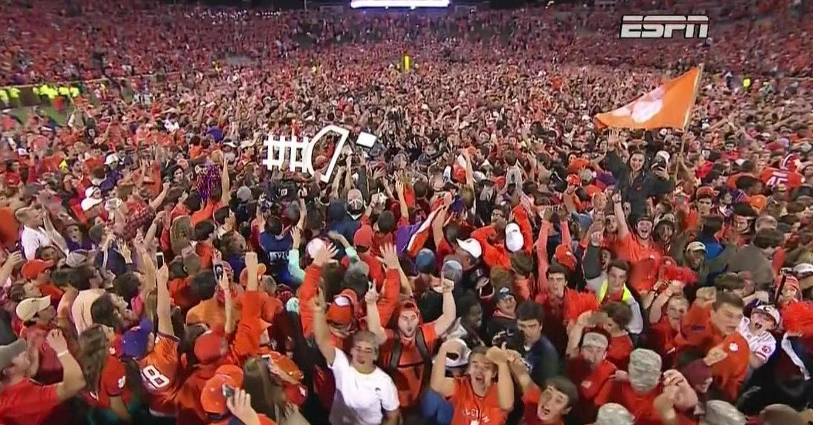 Clemson fans stormed the field after a dramatic 42-36 victory over Louisville. (Oct 1, 2016)