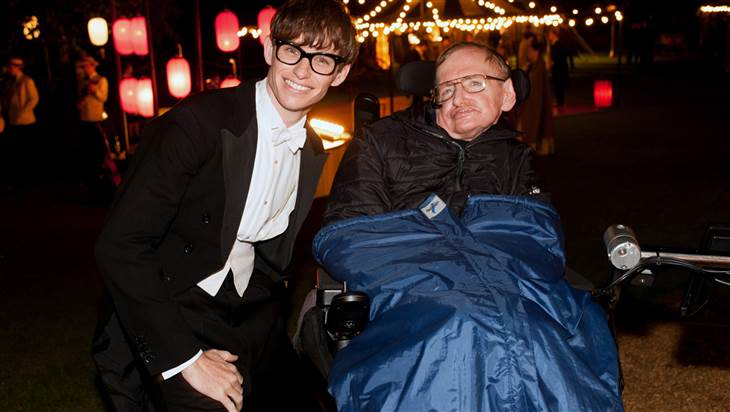 Eddie Redmayne with Stephen Hawking