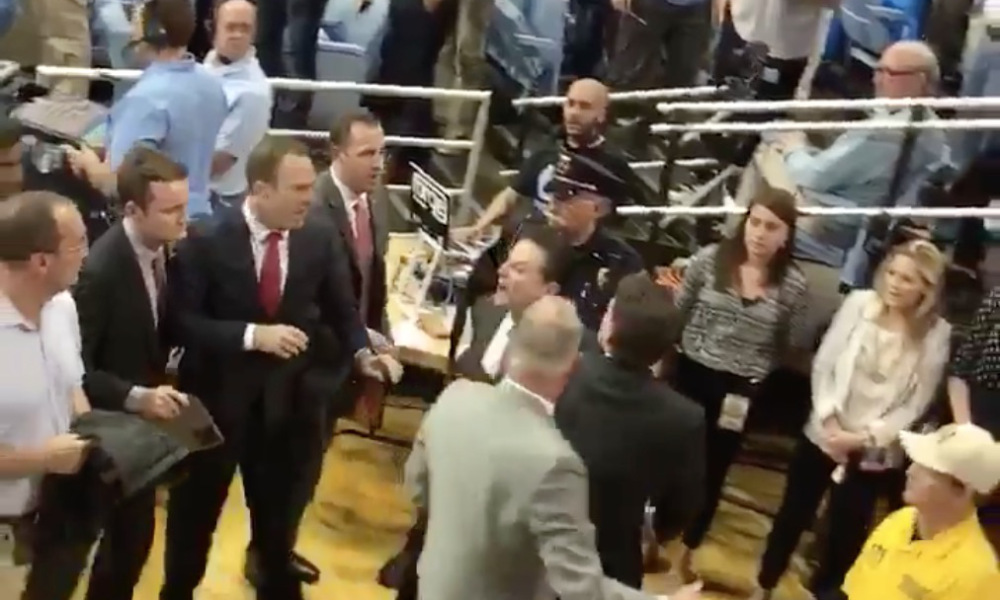 pitino yells at UNC heckler
